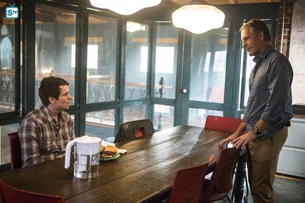 NCIS NO 2x12 (4)