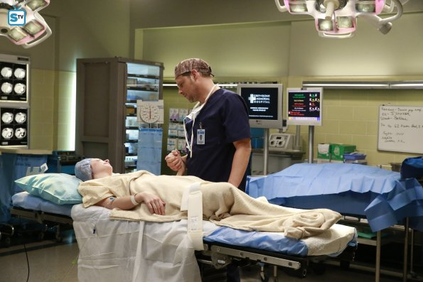 Grey's Anatomy, 12x10 (2)
