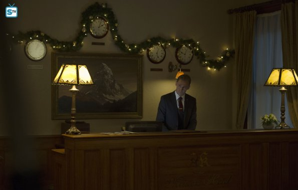The Night Manager, Ep. 1 (4)