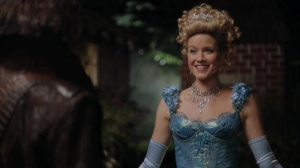 jessy-schram-to-return-as-cinderella-in-once-upon-a-time-in-wonderland1