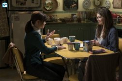 gilmoregirls-news_595_mini-logo-tv-white-gallery