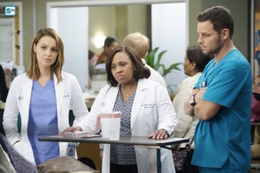 greys-anatomy-13x5-11
