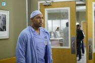 greys-anatomy-13x5-13