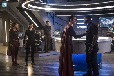 supergirl-2x2-10