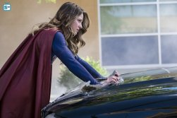 supergirl-2x2-3
