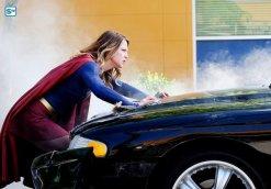 supergirl-2x2-4