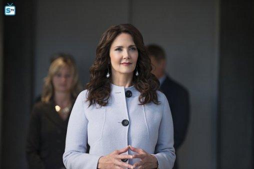 supergirl-2x3-12