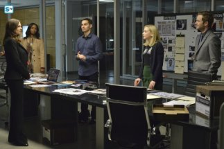 conviction-1x13-10
