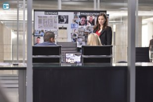 conviction-1x13-7