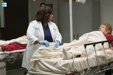 greys-anatomy-13x11-11
