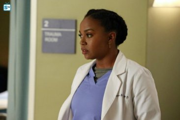 greys-anatomy-13x13-15