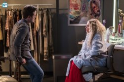 nashville-episode-522-dha7_595_Mini Logo TV white - Gallery