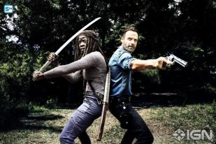 andrew-lincoln-as-rick-grimes-danai-gurira-as-michonne---the-walking-dead---season-8-gallery---photo-credit-alan-clarke-amc-2-1505768594970_595_Mini Logo TV white - Gallery