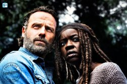andrew-lincoln-as-rick-grimes-danai-gurira-as-michonnec2a0-the-walking-dead-_-season-8-gallery-photo-credit-alan-clarke-amc_3_595_Mini Logo TV white - Gallery