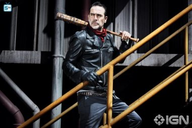 jeffrey-dean-morgan-as-negan---the-walking-dead---season-8-gallery---photo-credit-alan-clarke-amc-1505768594971_595_Mini Logo TV white - Gallery