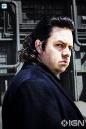 josh-mcdermitt-as-dr-eugene-porter---the-walking-dead---season-8-gallery---photo-credit-alan-clarke-amc-1505768594974_595_Mini Logo TV white - Gallery