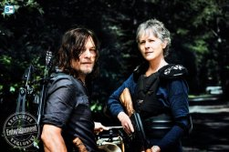 norman-reedus-as-daryl-dixon-melissa-mcbride-as-carol-peletierc2a0-the-walking-dead-_-season-8-gallery-photo-credit-alan-clarke-amc_2_595_Mini Logo TV white - Gallery