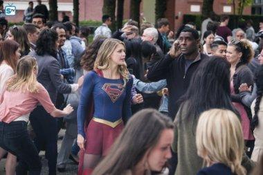 Supergirl 3x1 (11)