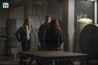 NUP_183907_0139_595_Spoiler TV Transparent
