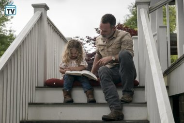 TWD_903_GP_0529_0421_RT_595_Spoiler TV Transparent