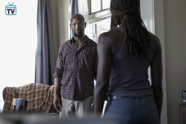 TWD_905_JLD_0625_08727_RT_595_Spoiler TV Transparent