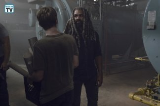 TWD_906_GP_0702_0452_RT_595_Spoiler TV Transparent