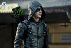 Elseworlds Pt 2, Arrow (8)