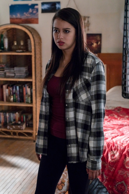 """Roswell, New Mexico -- """"Como La Flor"""" -- Image Number: ROS207a_0017b.jpg -- Pictured: Amber Midthunder as Rosa -- Photo: John Golden Britt/The CW -- © 2020 The CW Network, LLC. All rights reserved"""